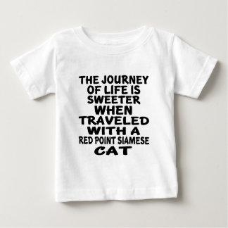 Camiseta Para Bebê Viajado com o gato siamese do ponto vermelho