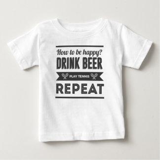 Camiseta Para Bebê Vida feliz do tênis das bebidas da cerveja