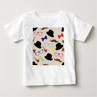 Camiseta Para Bebê Vidros, chapéus e bigode
