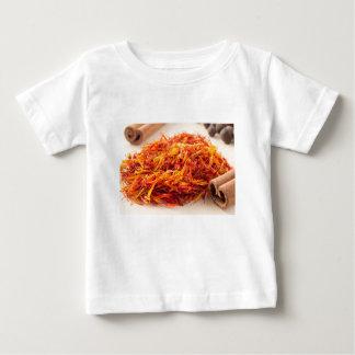 Camiseta Para Bebê Vista macro no close up perfumado do açafrão