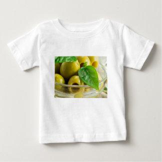 Camiseta Para Bebê Vista macro no fim-acima das azeitonas