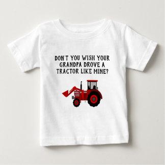 Camiseta Para Bebê Vovô vermelho do trator do bebé engraçado