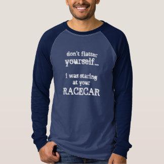 Camiseta Para ela ou para ele - olhando fixamente em seu