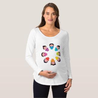 Camiseta Para Gestantes É um bebé no t-shirt da maternidade do quimono