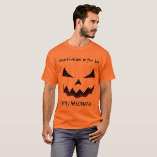 Camiseta Parabéns do Dia das Bruxas em seu dia