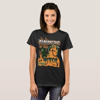 Camiseta Paramédico pela bruxa do dia pelo Tshirt do Dia