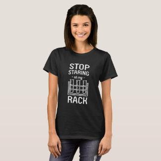 Camiseta Pare de olhar fixamente em minha chalaça cómico da