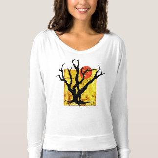 Camiseta Parte superior bonito da árvore assustador do Dia