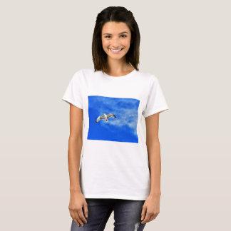 Camiseta Pássaro no t-shirt do impressão do céu