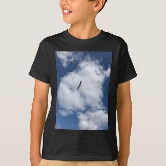 Camiseta Pássaros nas nuvens