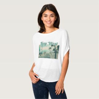 Camiseta Passeio à beira mar de madeira na praia de