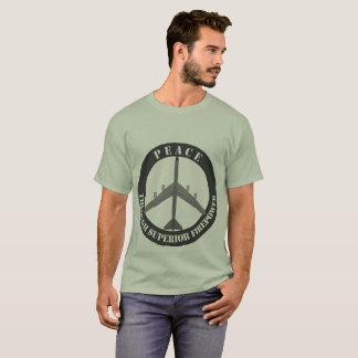 Camiseta Paz com a potência de fogo superior