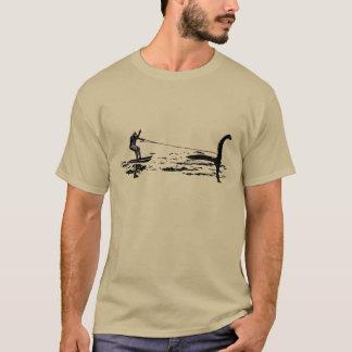 Camiseta Pé e Nessie grandes