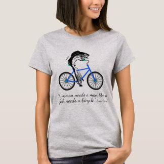 Camiseta Peixes feministas que montam uma bicicleta (com
