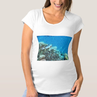 Camiseta Peixes que movem-se sobre o recife