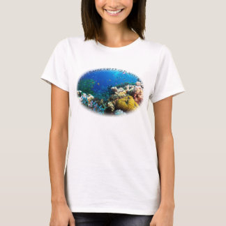 Camiseta Peixes tropicais do mar coral
