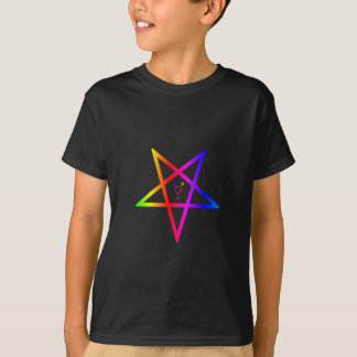 Camiseta Pentagram invertido transgender do arco-íris de
