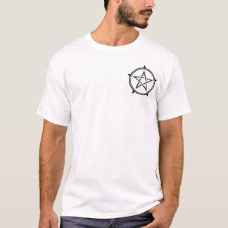 Camiseta Pentagram preto e branco do corte do dobro