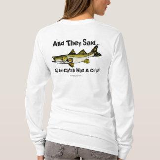 Camiseta Pescando (tudo eu travaria) o t-shirt
