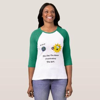 Camiseta Photobombed pela lua