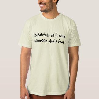 Camiseta piada do doutor de pé