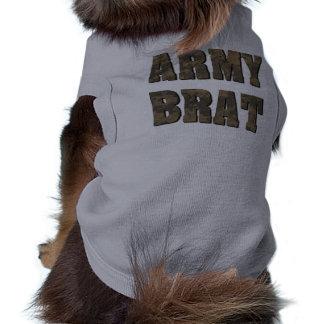 Camiseta Pirralho do exército na camuflagem das forças