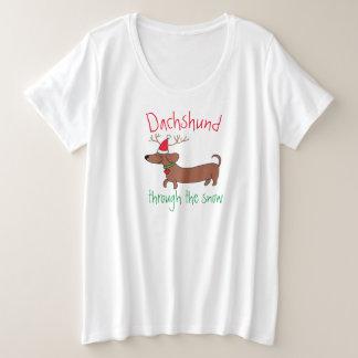 Camiseta Plus Size Dachshund através da neve básica mais o t-shirt do