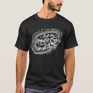 Camiseta Pnha a agulha sobre o registro 2