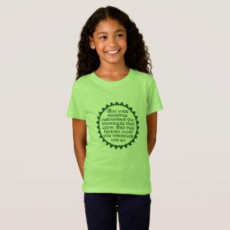 Camiseta Podem suas bênçãos ultrapassar os trevos, irlandês