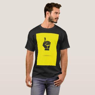 Camiseta Poder preto amarelo do punho para pessoas do