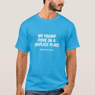 Camiseta Poemas líricos misheard tipográficos engraçados da