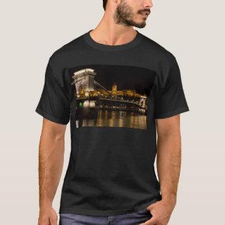 Camiseta Ponte Chain com castelo Hungria Budapest de Buda