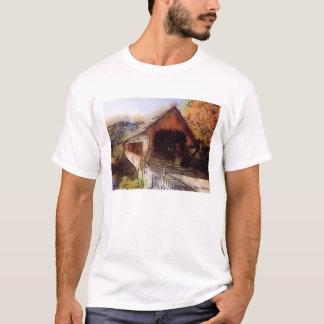 Camiseta Ponte coberta pitoresca do t-shirt de alta