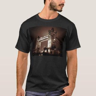 Camiseta Ponte da torre de Londres na noite