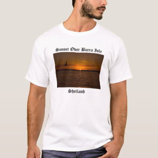 Camiseta Por do sol sobre a ilha de Burra