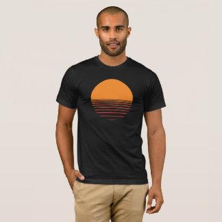 Camiseta Por do sol sobre o design da água