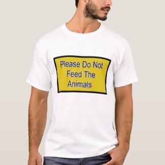 Camiseta Por favor não alimente os animais