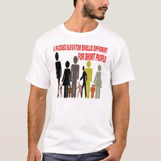Camiseta POVOS diferentes do cheiro dos elevadores para