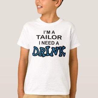 Camiseta Precise uma bebida - alfaiate