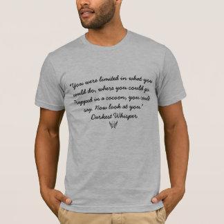 Camiseta Prendido em um casulo