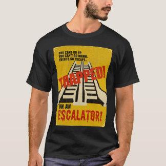 Camiseta Prendido em uma escada rolante
