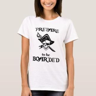Camiseta Prepare para ser crânio e espada pretos embarcados