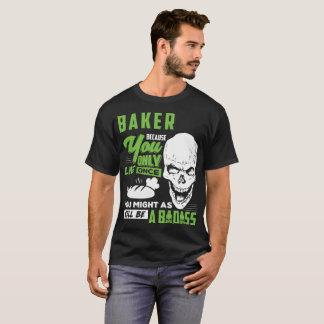 Camiseta Presente do T de Badass do poço do padeiro do