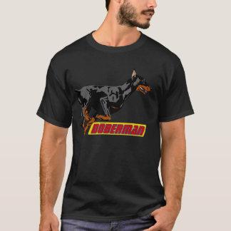Camiseta Preto de galope do doberman
