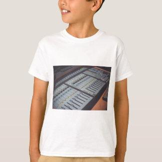 Camiseta Pro estúdio do áudio da música do console do