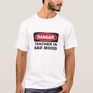 Camiseta Professor do perigo no humor mau