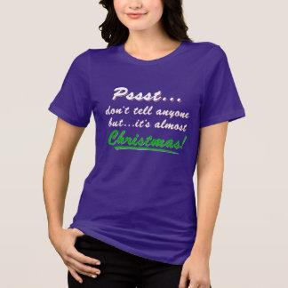 Camiseta Pssst… quase NATAL (branco)