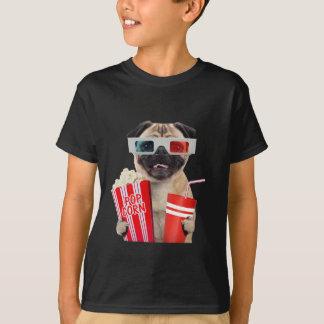 Camiseta Pug que olha um filme