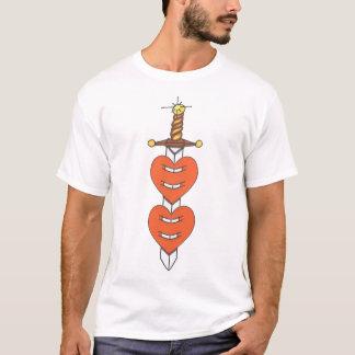 Camiseta Punhal através dos corações