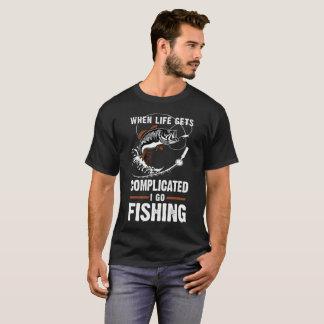 Camiseta Quando a vida me obtem complicado vá pescar o